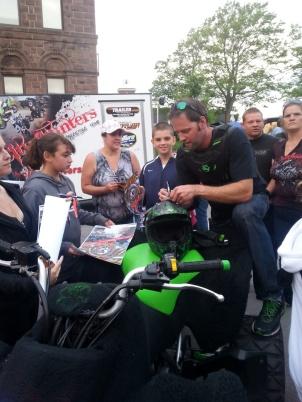 Hub City Stunters signing autographs